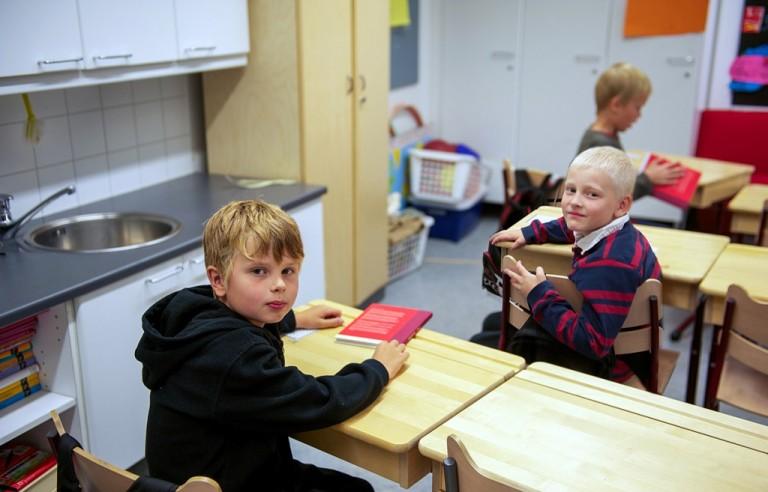 Mikaelin ja Aaron mielestä Haarlan koulu on kiva koulu