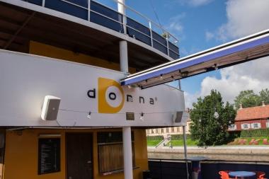Myös Donnan logo kuvastaa hyvin laivan nuorekasta ilmettä.