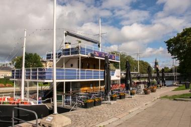 Donnan Love Deckinä tunnettu, laivan ylin kerros, on asiakkaiden keskuudessa erityisen suosittu.
